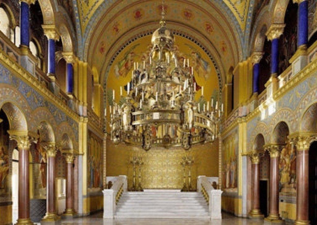 Medieval Throne Room Audio Atmosphere